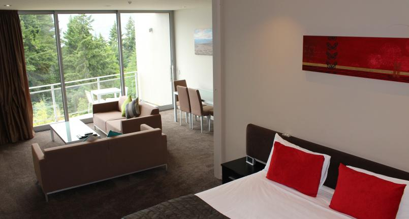 Bed King Lounge One Two Bedroom Highview Apartments - Queenstown Luxury Accommodation